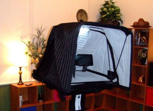 Carry-on Vocal booth 2013 in travel