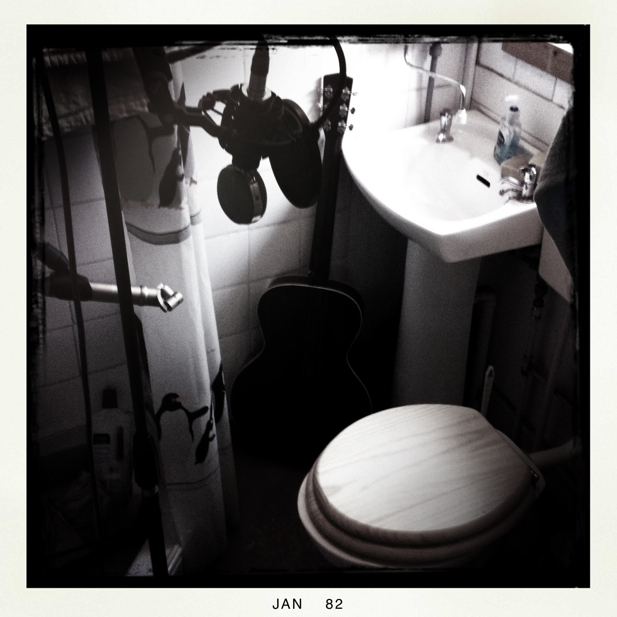 voice over in a bathroom- set up
