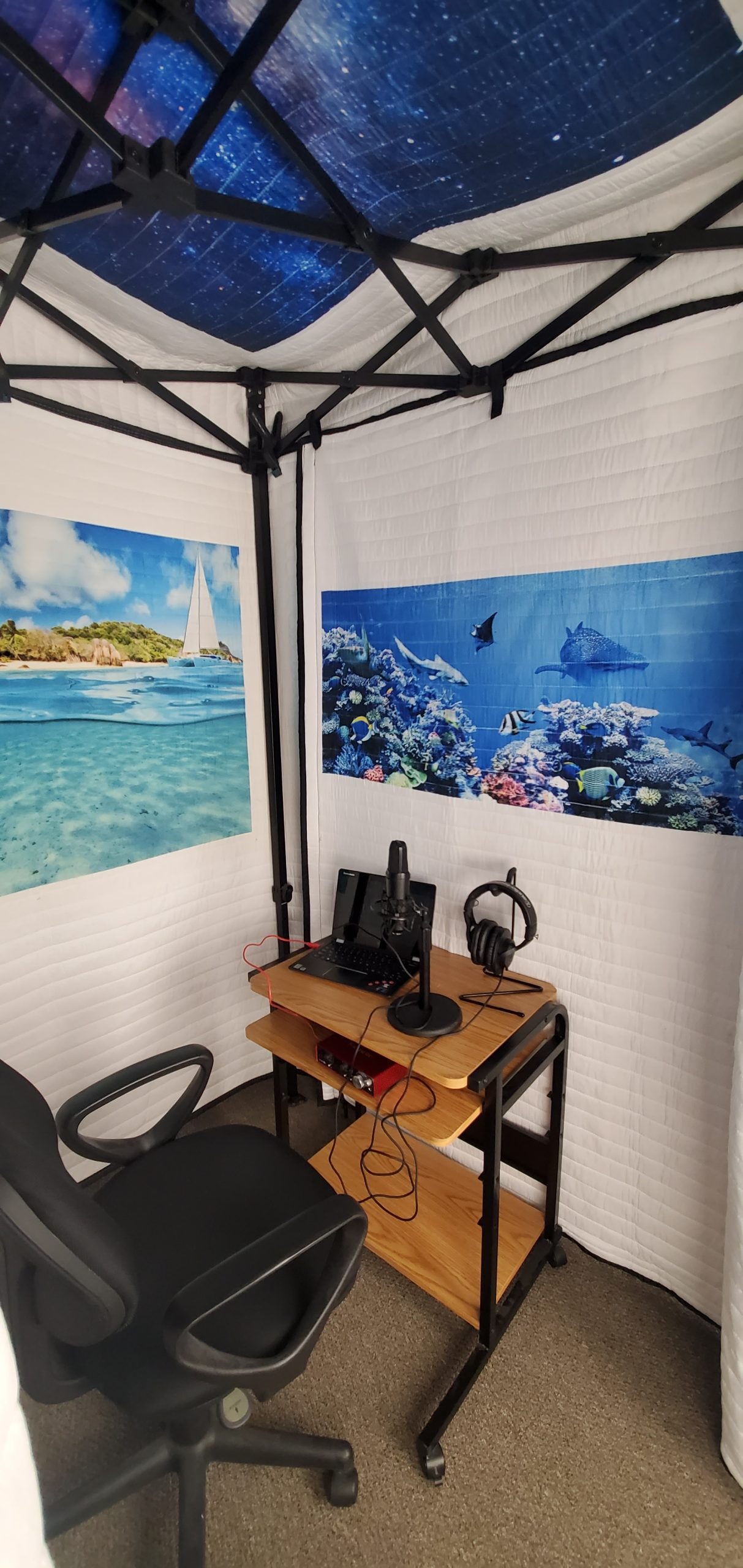 Acoustic-VocalBooth-with_Custom Image- SetUp